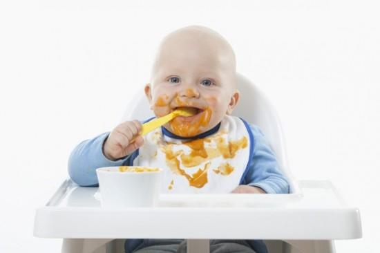 Babyer har bedst af at spise selv baby for begyndere - Alimentacion bebe 7 meses ...
